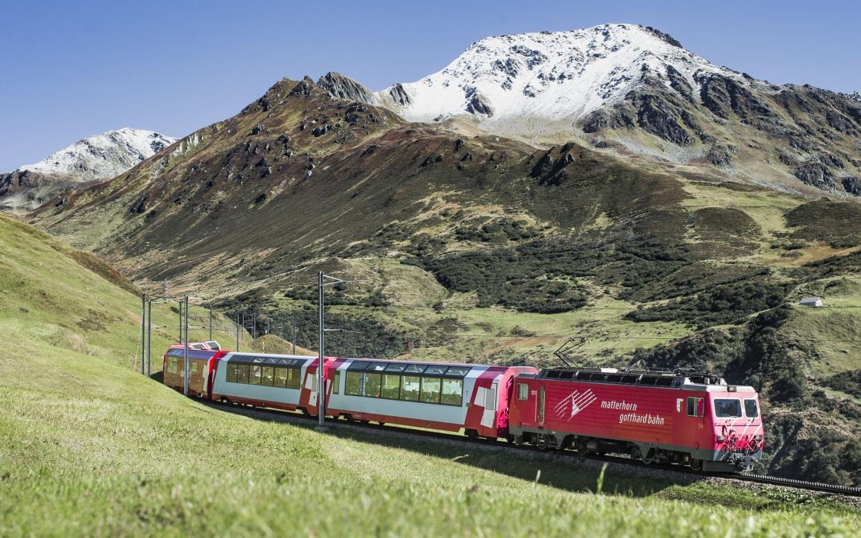 Schweiz: Glacier Express Bernina Express