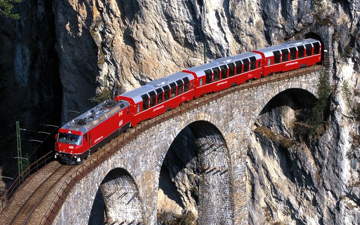 Schweizer Panoramazüge Bernina Express