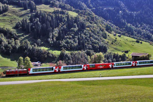 Eisenbahnen Glacier Bernina Express DAvos