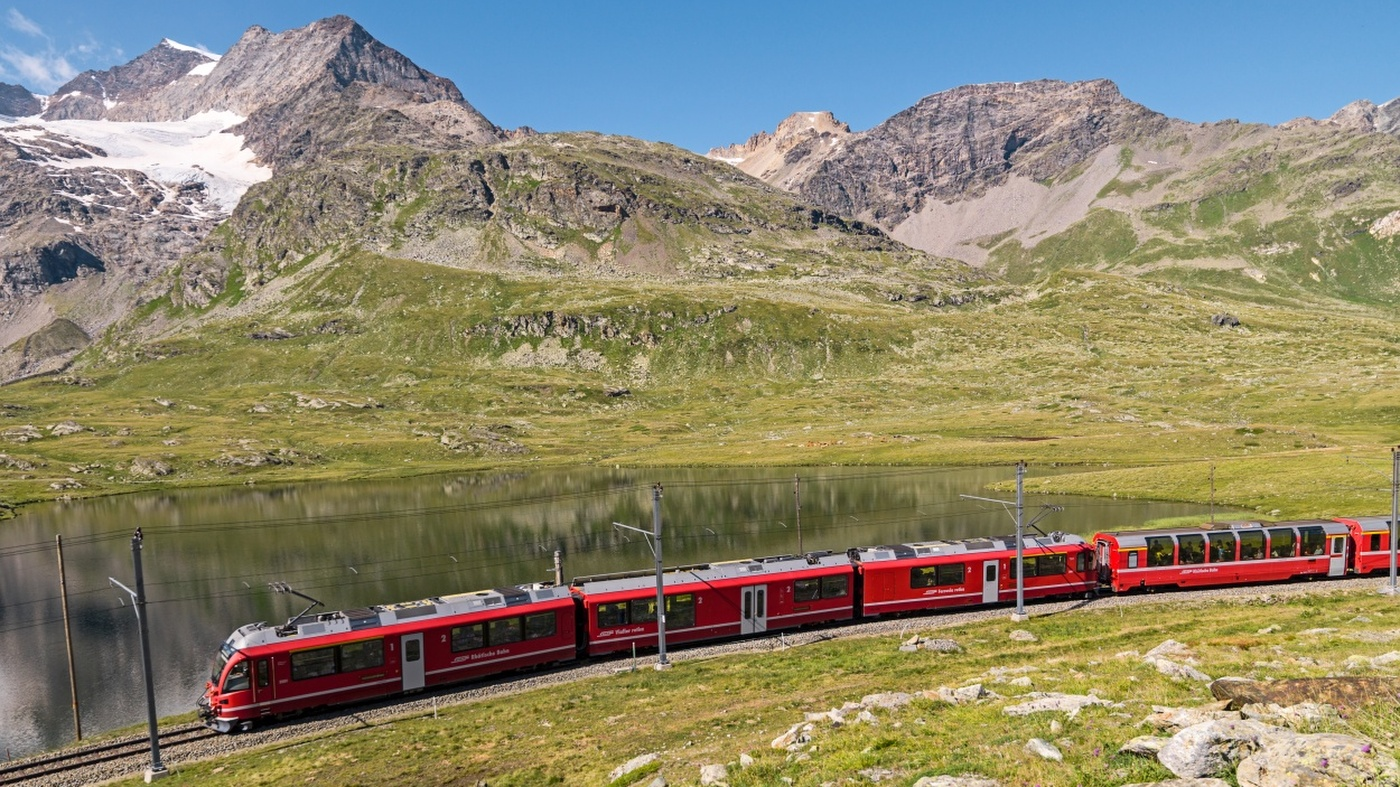 Schweiz: Glacier Express Bernina Express. Bernina Express