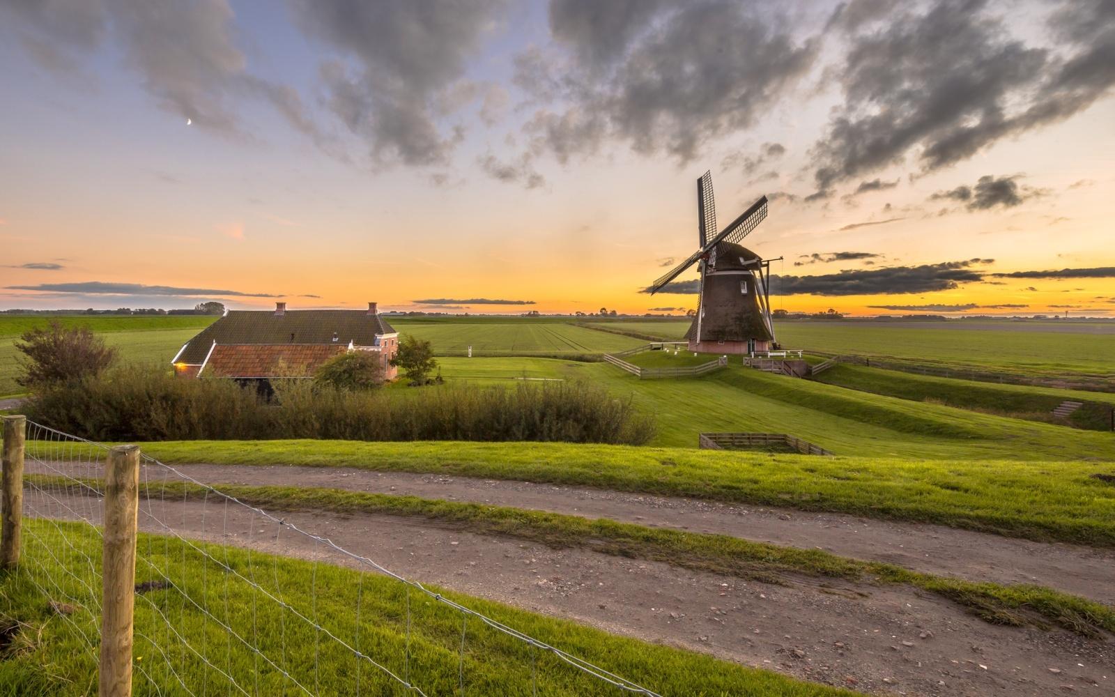 Holland Niederlande Nostalgie Retro Oldtimer Vintage Historie Dampfzug Segelschiff