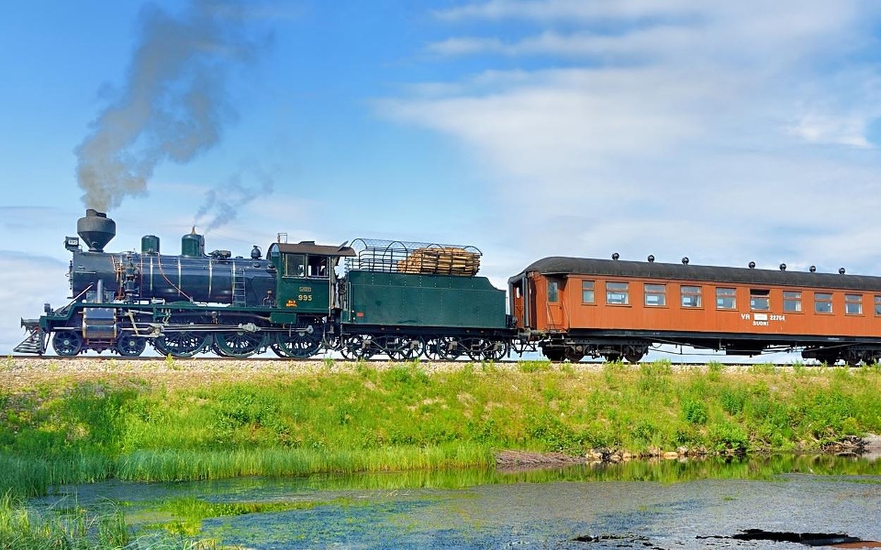 Eisenbahn Nostalgie Dampfzug Finnland Volldampf historischer Zug