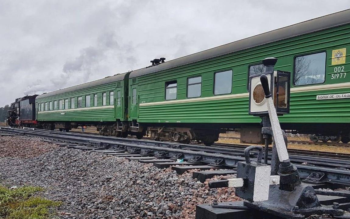 Nostalgie Sankt Petersburg Dampfzugfahrt Dampflokomotive historischer Zug Eisenbahnmuseum