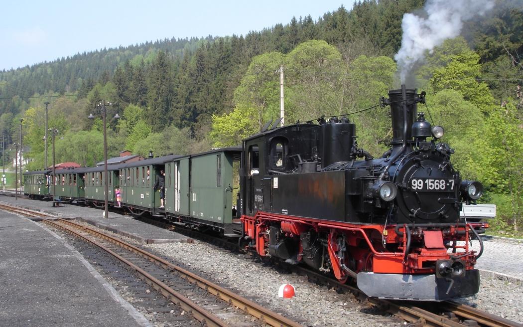 Oldtimer Omnibus nostalgische Zeitreise Dampf Schnellzug Dresden Prag Trabi Meißen Dampflokomotive Dampfschiff
