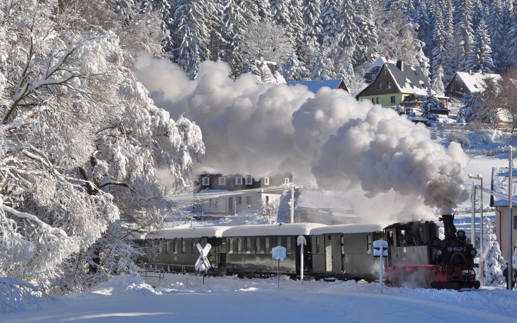 Schnee Erzgebirge Nostalgie Zeitreise Dampfzug Advent