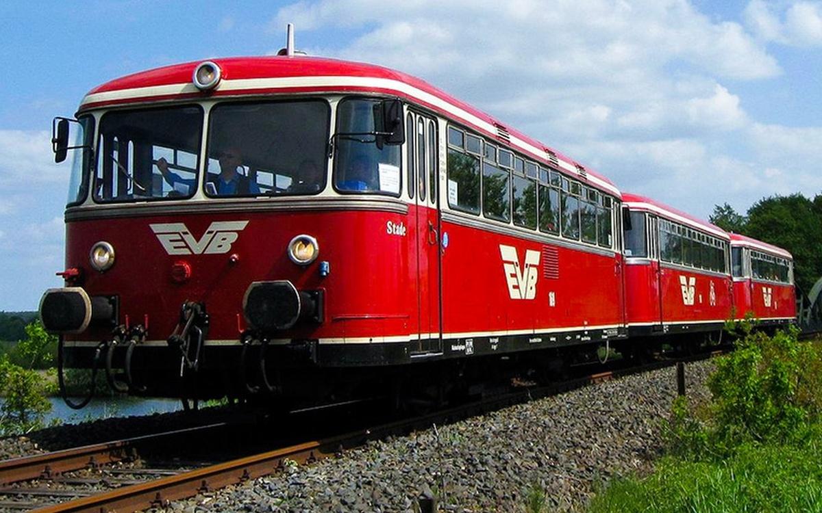 Altes Land Nostalgie classic Moor-Express Schienenbus Uerdinger Roter Brummer
